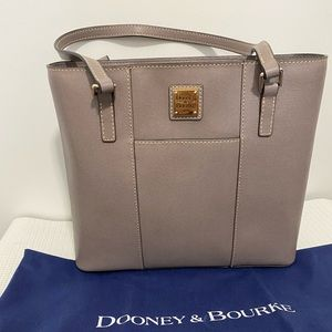 Dooney&Bourke  Small Lexington Shopper